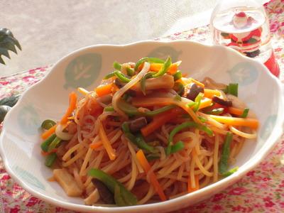 野菜たっぷりジンジャーナポリタンスパゲティ