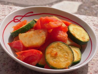 ズッキーニとトマトとじゃがいもの醤油糠風味