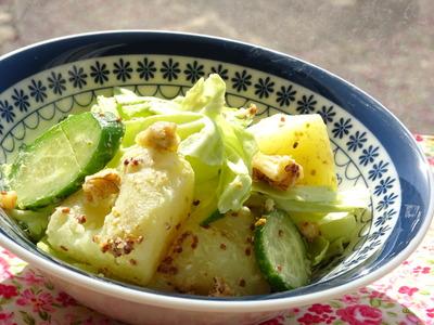 春キャベツと粉ふき芋のクルミサラダ