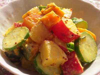 さつま芋とかぼちゃときゅうりのマスタードマヨサラダ