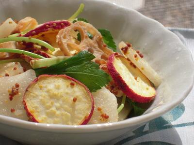 梨と秋の根菜の香りサラダ