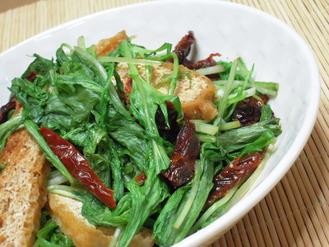 水菜とドライトマトの味噌炒め