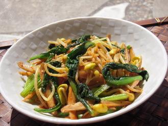 大豆もやしと小松菜のコチュ醤油風味