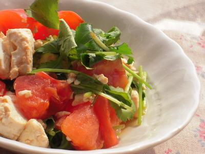 トマトと三つ葉のサラダ風チャンプルー