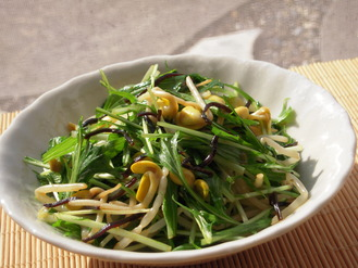 水菜と大豆もやしの塩昆布マヨ風味