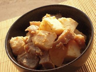 里芋とこんにゃくのほっこり胡麻味噌風味