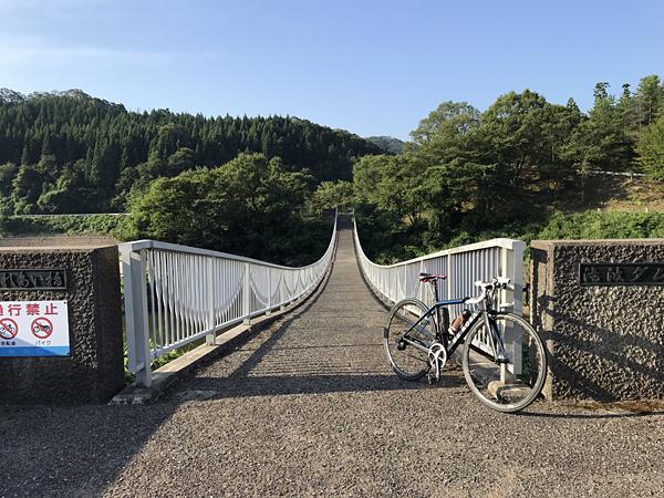 10滝波ダム