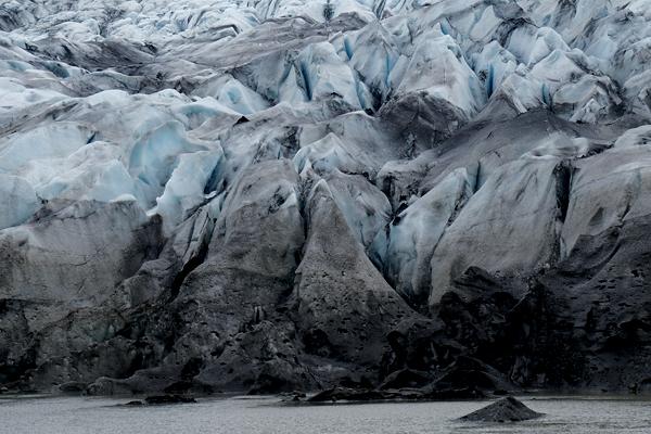 8黒い氷河