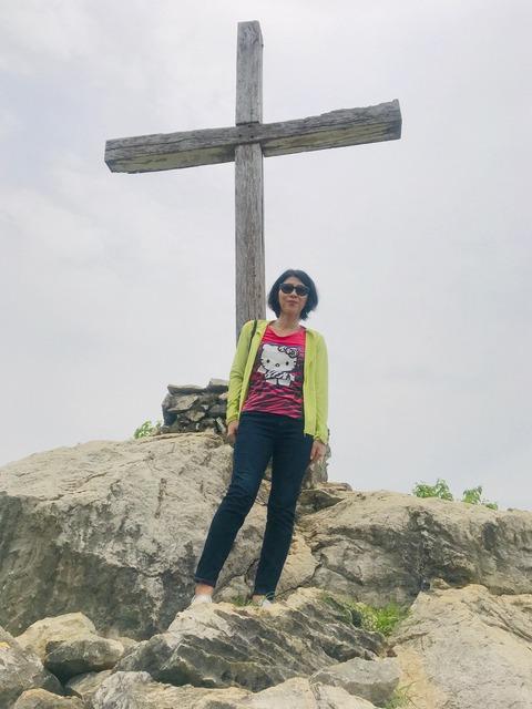山頂十字架と