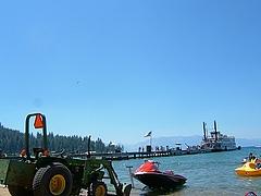 湖へ直接入水できる車