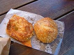 チーズボードコレクティブのパン。