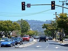 San PabloからBerkeleyの山を見る