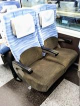 E353系車内普通車座席