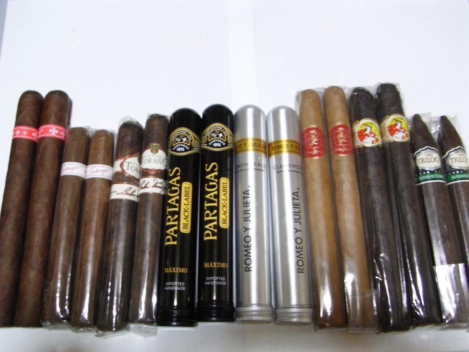 tatuaje havana. バラ買いで左から、Tatuaje Havana VI Almirantes、Tatuaje Serie P Corona