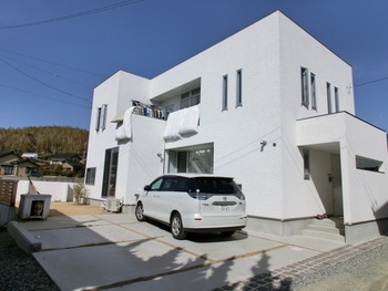 白い家01