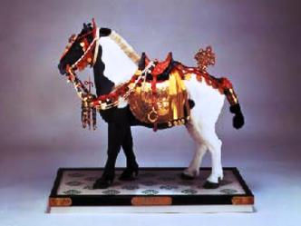 鶴斑毛御彫馬