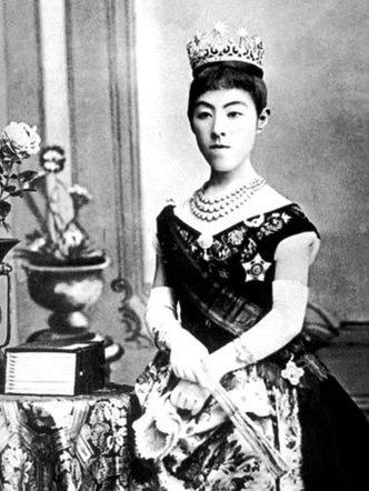 昭憲皇太后さま