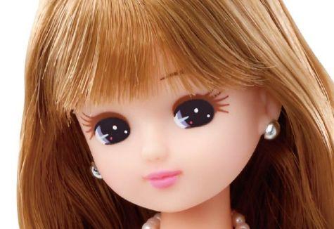 髪 が 伸 び る リ カ ち ゃ ん 人 形 が 発 売