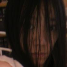 黒髪ロングで引きこもりの美少女