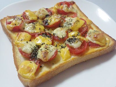 プチトマトチーズパン
