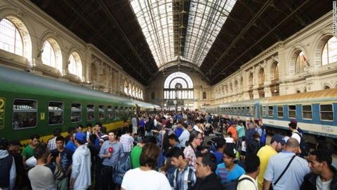 budapest-train-salomone-roberto