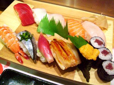 寿司 / 話題・ネタ       外国人向けの寿司の食べ方紹介動画が出鱈目すぎると話題に!     コメント