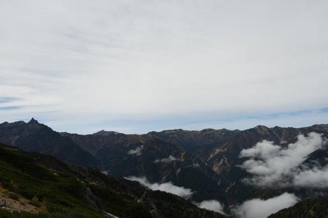 燕岳の稜線から見る北アルプスの山々