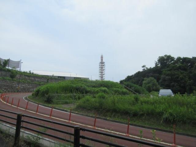 小沢城入り口付近