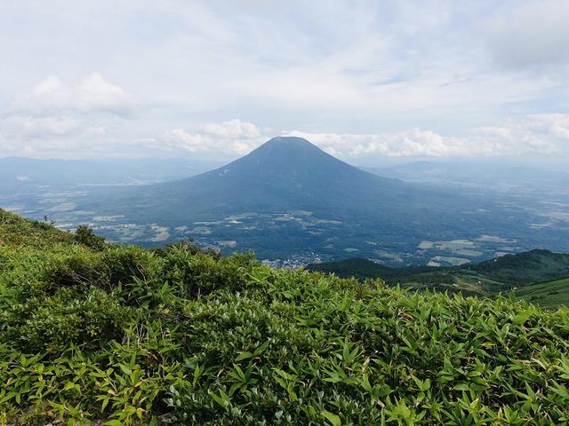 写真02_羊蹄山(アンヌプリ頂上より)