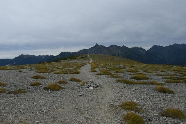 双六台地。槍ヶ岳の滑走路のように見える