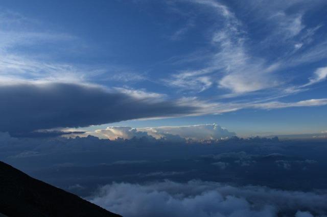 DSC_8514雲の芸術。八合目付近から