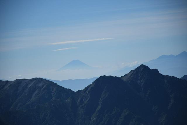 剱岳山頂からの富士山