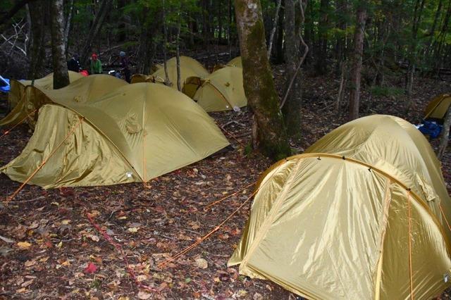 面平に突然出現したキャンプ場