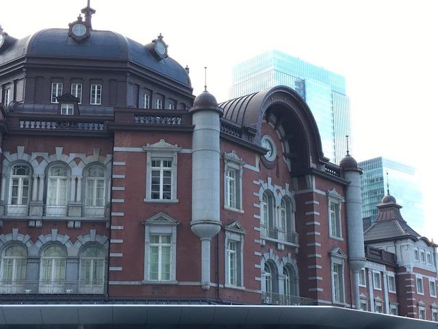 旅の始まりは東京駅