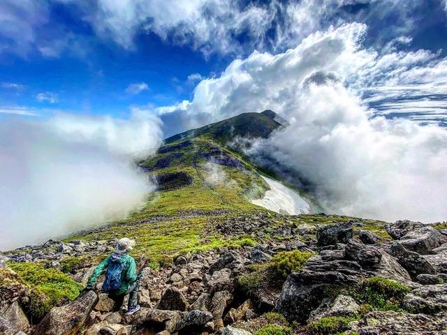 No.30「雲に包まれるオプタテシケ山」