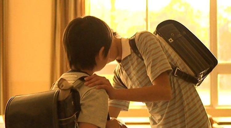 小学6年生をトイレに連れ込んでキスをしようとした小学校教師を逮捕