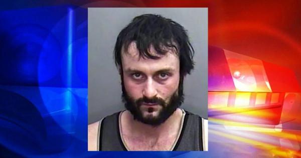 女上司のコーヒーにおちんぽミルクを4年間毎日注いでいた男が逮捕される