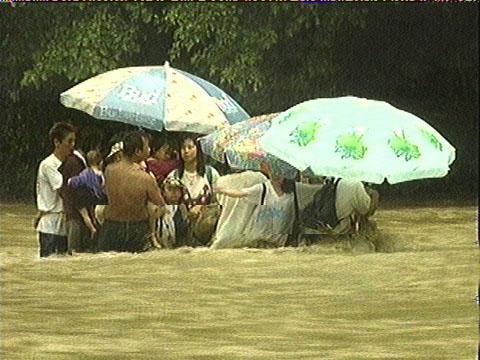 【玄倉川水難事故】DQN18人「警報鳴ってるけどキャンプ続けるわwww」「逃げろとかうるせえな!殴るぞ!楽しんでんだよ!」→増水によって流される