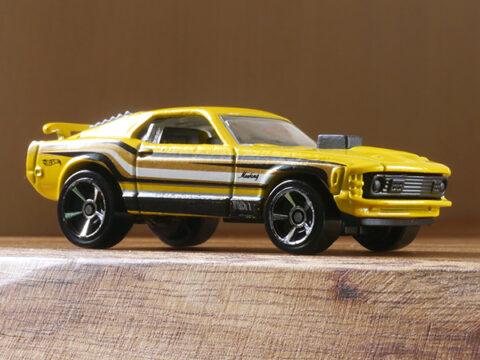 hot-wheels-Mustang-Mach1
