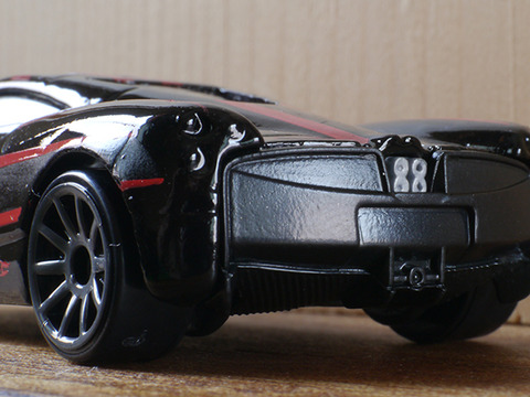 hot-wheels-Pagani-Huayra (11)