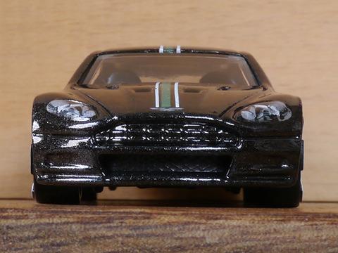 hot-wheels-Aston-Martin-DBS (6)