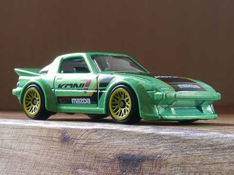 hot-wheels-RX-7 (2)