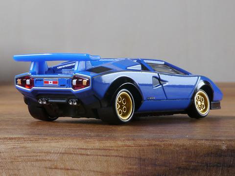 tomica-Lamborghini-Countach-10