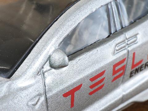 hot-wheels-tesla-model-x (10)