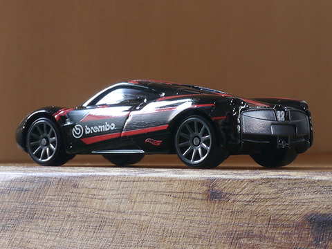 hot-wheels-Pagani-Huayra (3)