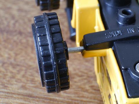 daiso-bulldozer (3)