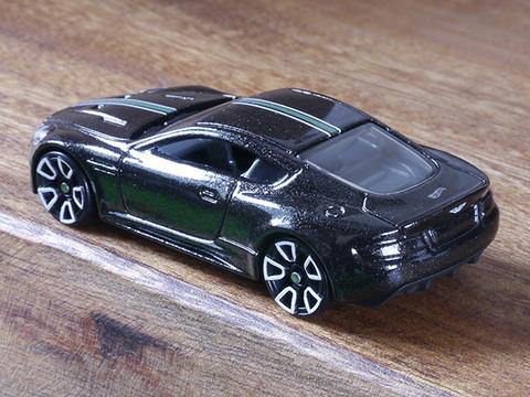 hot-wheels-Aston-Martin-DBS (5)