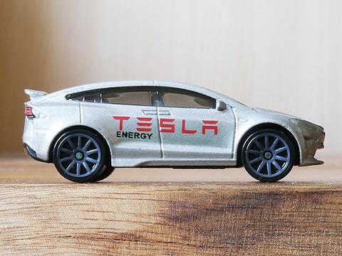 hot-wheels-tesla-model-x (16)