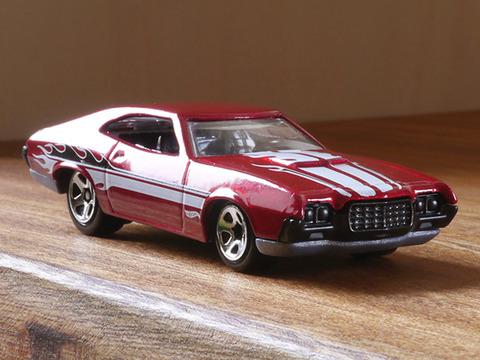 Hot-Wheels-'72-Ford-Gran-Torino-Sport (3)