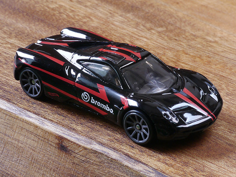 hot-wheels-Pagani-Huayra (7)